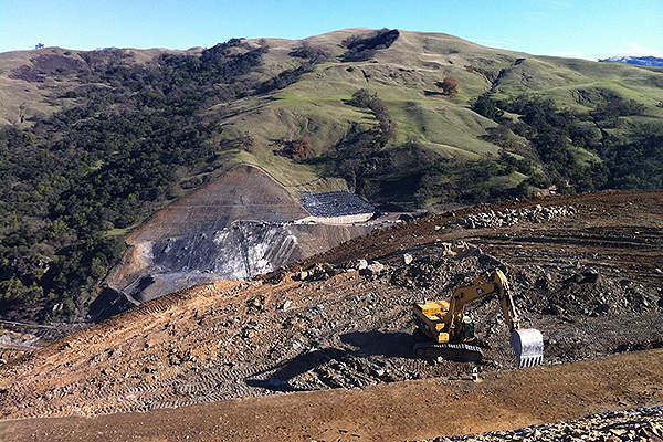 Calaveras Dam Replacement Project will be completed in 2015. Image courtesy of jspidersf.