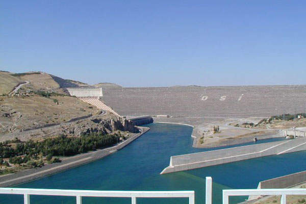 The Atatürk Dam on the Euphrates River will provide water for irrigation through the Suruç Water Tunnel.