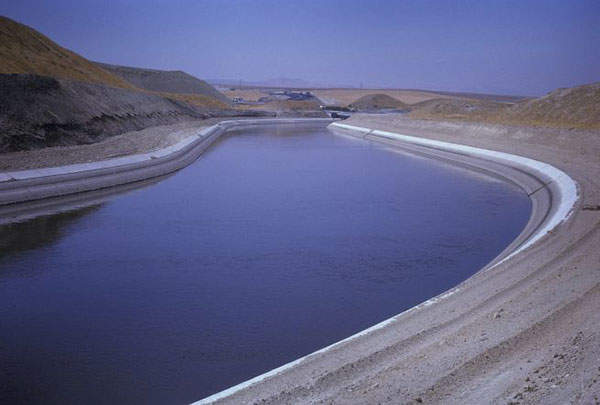 The Delta-Mendota Canal (DMC) draws water from various sources and supplies it to California's Central Valley. Image courtesy of US Bureau of Reclamation.