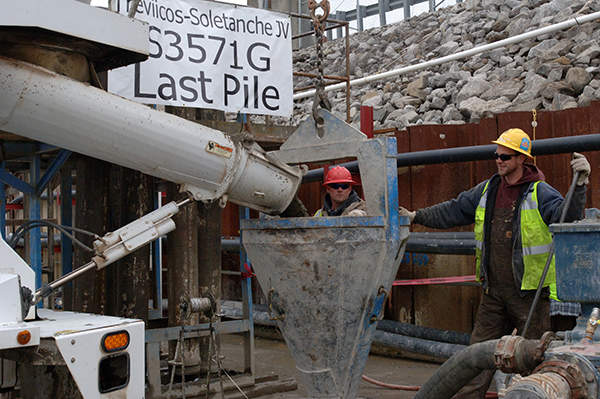 The concrete for the last pile of the 1,197 piles was poured on 6 March 2013, marking the completion of the barrier wall construction. Image courtesy of USACE.