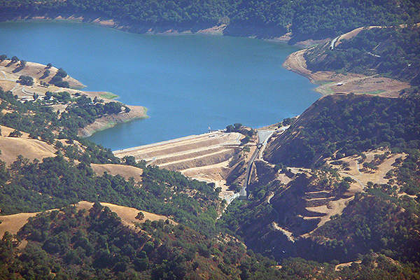 The existing Calaveras Dam is considered seismically unsafe and is filled at 40% of full capacity. Image courtesy of ATIS547.