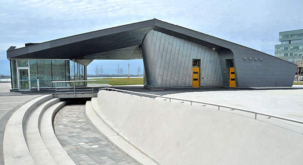 Pavilion of the Sherbourne Common park that houses the stormwater treatment and UV facilities. Image courtesy of Waterfront Toronto.