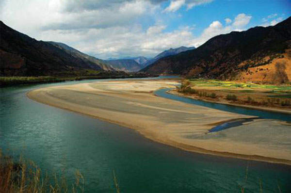 Xiluodu Dam was constructed along the Jinsha River on the upper reaches of the Yangtze River. Image courtesy of Vacon.