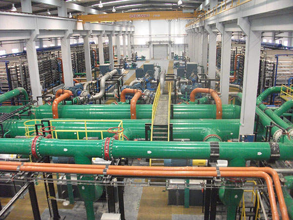 The Qindao plant implements reverse osmosis and ultra-filtration (UF) pre-treatment processes to desalinate seawater using Norit X-Flow UF membranes. Image courtesy of Abengoa Water.