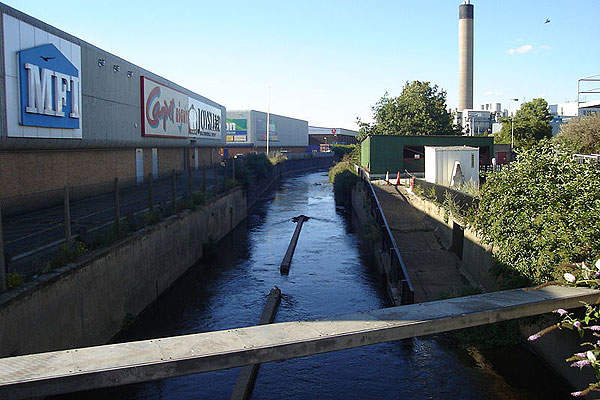 The outflow from Deephams STW is discharged into Salmons Brook, a tributary of River Lea. Image courtesy of Northmetpit.