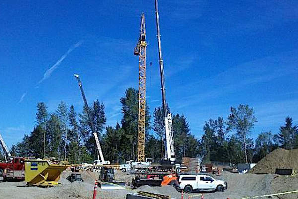 Two cranes of 145ft and 118ft were installed at the project site. Image courtesy of City of Portland, Oregon.