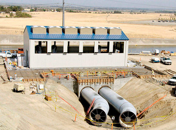 The Intertie Project consists of two 108-inch diameter pipelines which link the DMC to the CA and a pumping station. Image courtesy of US Bureau of Reclamation.