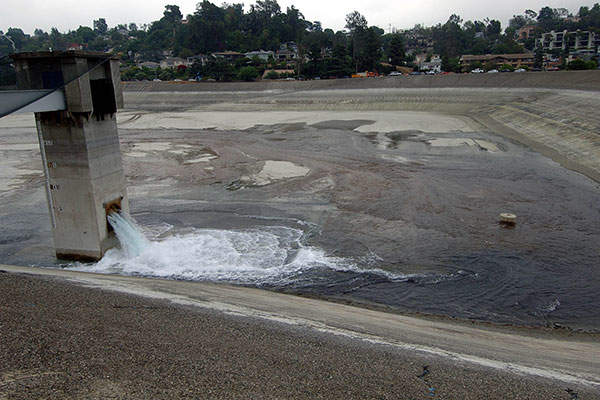 The old Silver Lake Reservoir being replaced. Image courtesy of Los Angeles Department of Water and Power.