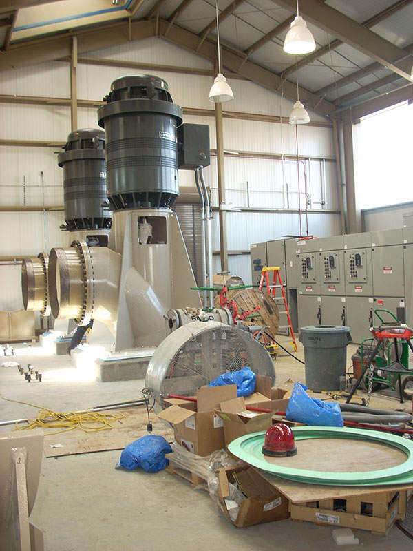 The pump station is inserted with four 1000 horsepower-motors and pumps with a capacity of 117cusec each. Image courtesy of US Bureau of Reclamation.