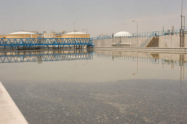 The aeration tanks, secondary settling tanks and anaerobic sludge digesters tanks are all prestressed with the DYWIDAG Strand Tendons. Image courtesy of GDF SUEZ / ABACAPRESS / Lyons Bill.