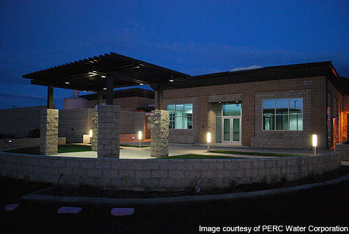 The Santa Paula WRF uses energy savings lighting systems such as natural lighting, mercury vapour exterior lights, and LED lamps.