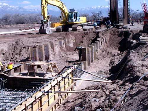 A 600ft-long adjustable height bladder dam is being built across the full width of the Rio Grande River, together with around 56 miles of large diameter pipeline.