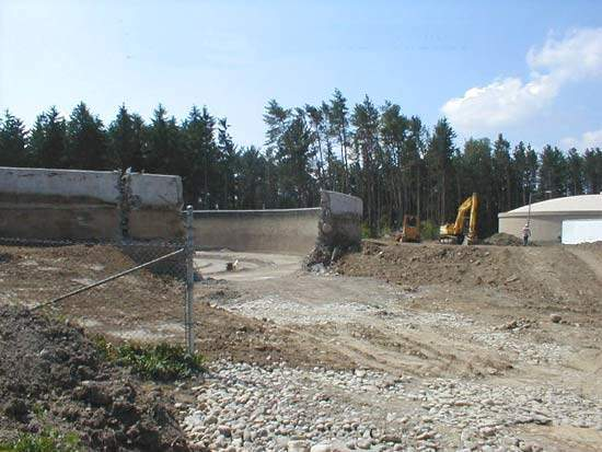 The second new concrete tank was constructed at the site of the dismantled old reservoir.