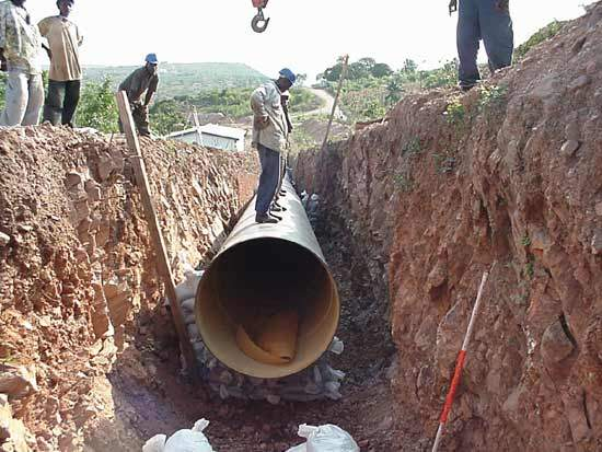 The construction of a new 1.5km raw water pipeline (diameter 11-14cm) between the pumping station and the treatment plants.
