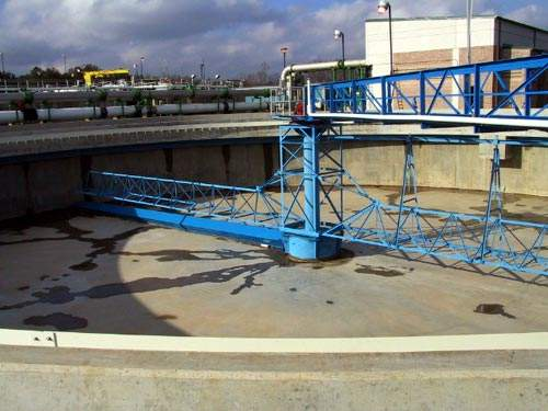The plant has four peripheral feed / peripheral take-off secondary clarifiers, which return excess RAS to the bioreactor.