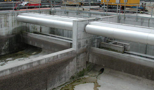 Two storage basins in a WWTP, each with a CSO screen type RSO and ROMAG tipping buckets for efficien