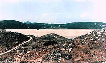 The Olivenhain Dam reaching the end of its construction phase.