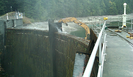 Another NPS webcam photograph shows the beginning of the Glines Canyon Dam deconstruction