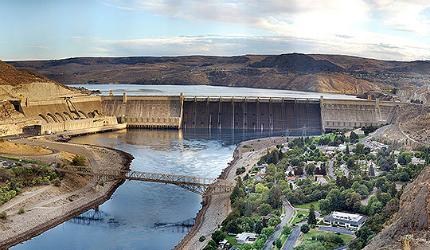 Lake Roosevelt reservoir helps in regulating the flow of the Columbia River, averting floods