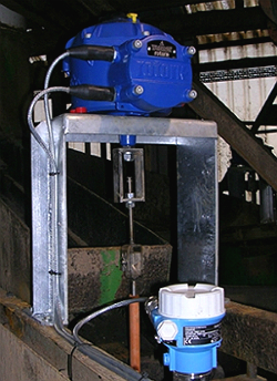 Rotork CVA actuator installed on a TBS Hydrosizer, operated by the control signal from the adjacent density probe